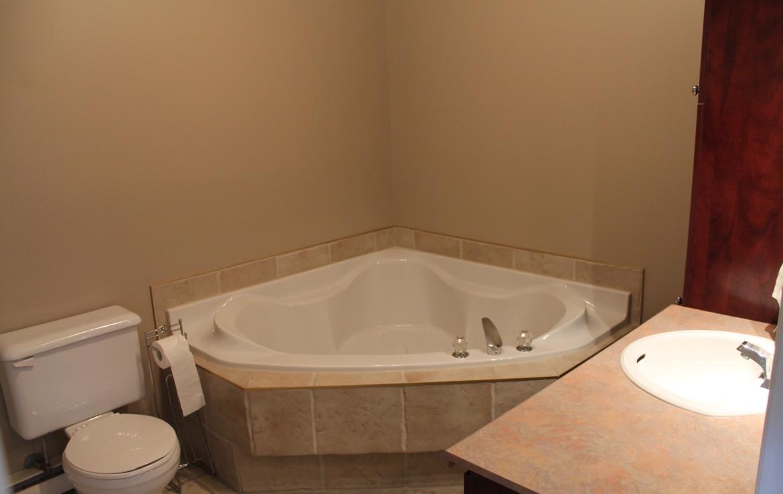 Bathroom Fixtures Laval Qc 53 boulevard samson #202, laval, qc h7x 3e6, canada – maximus realties